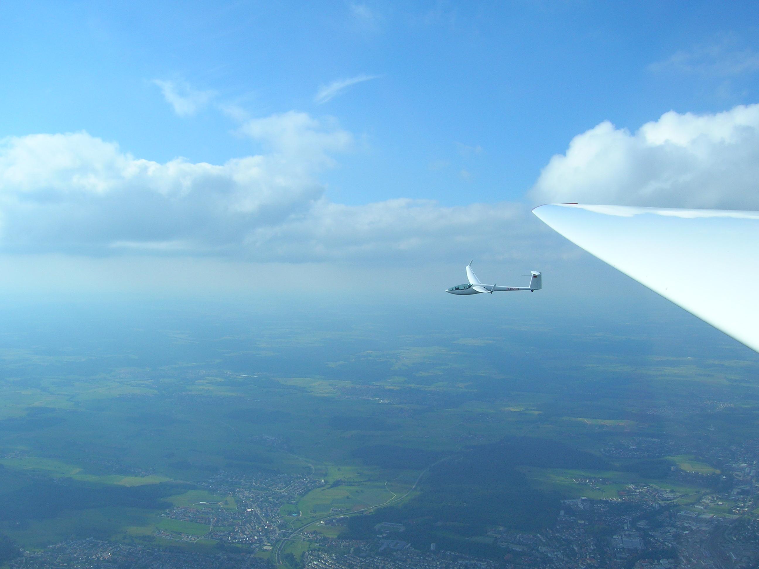 DG 808 im Formationsflug